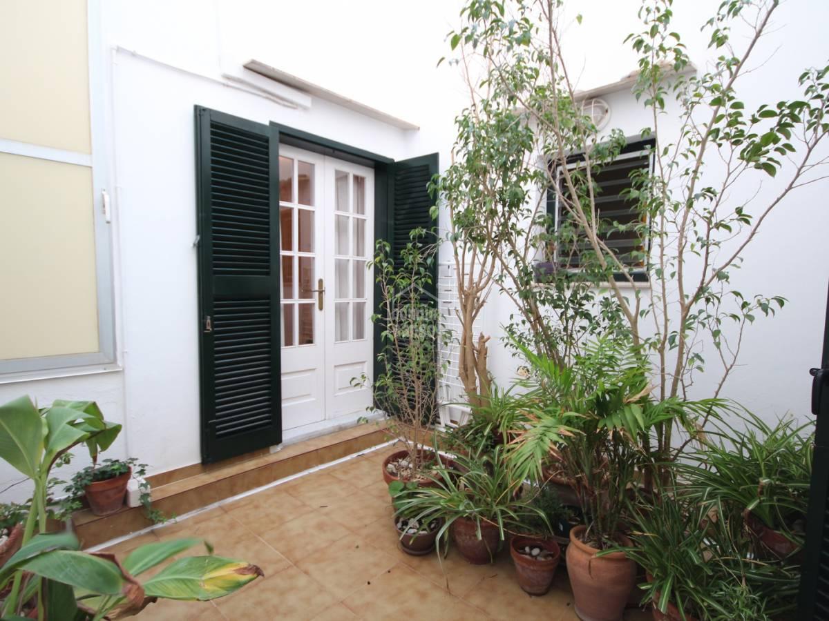 Acheter grand appartement sur deux tages avec terrasse for Appartement avec patio