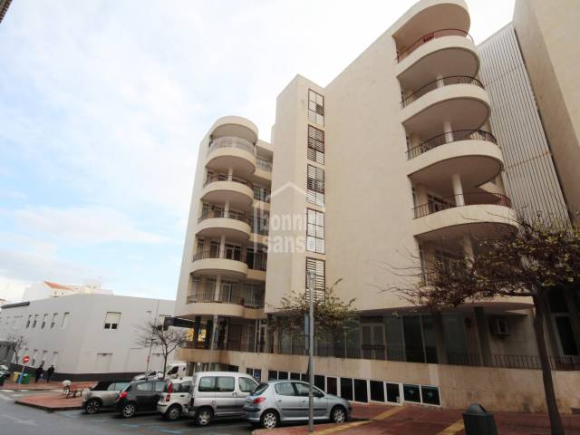Amplio cuarto piso con ascensor en Mahón