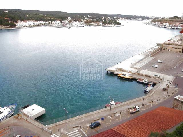 Flat on 1st floor with unbeatable harbour views in Mahon, Menorca