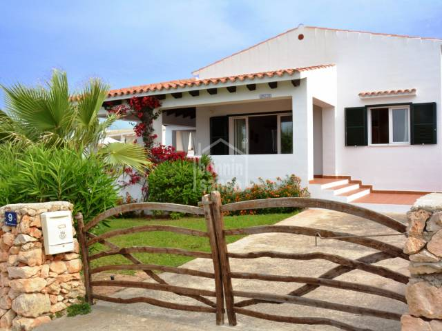 Pretty villa located in a quiet area of Son GanxoSon Remei. Menorca.