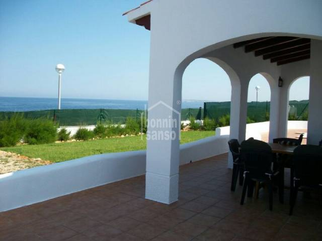 Neu-Bau-Villa direkt am Meer in Cap Dartruix,Menorca