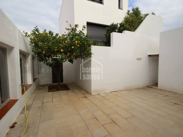 Casa adosada en zona residencial de Ciutadella