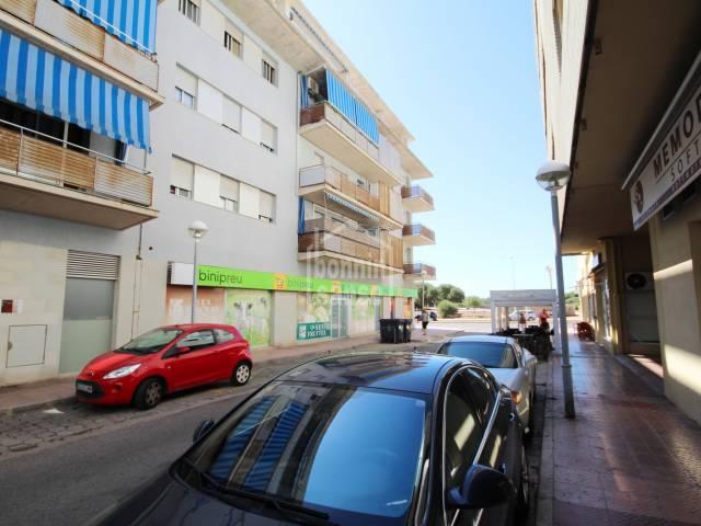 Tercer piso con ascensor en zona residencial de Mahón, Menorca