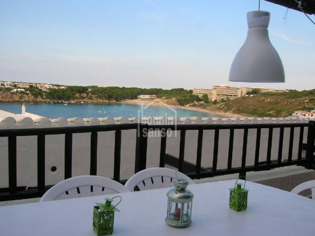 Spacious apartment overlooking the beach, Menorca