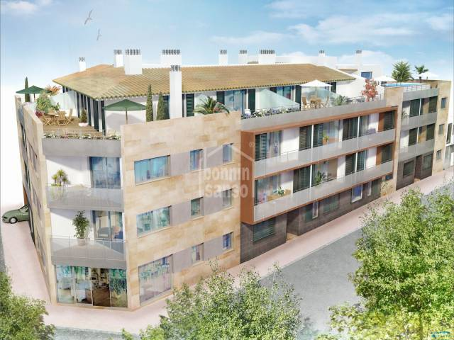 Second floor apartment with rooftop pool, in Ciutadella, Menorca