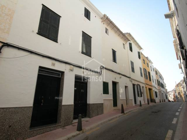Town house with charm in Mahon