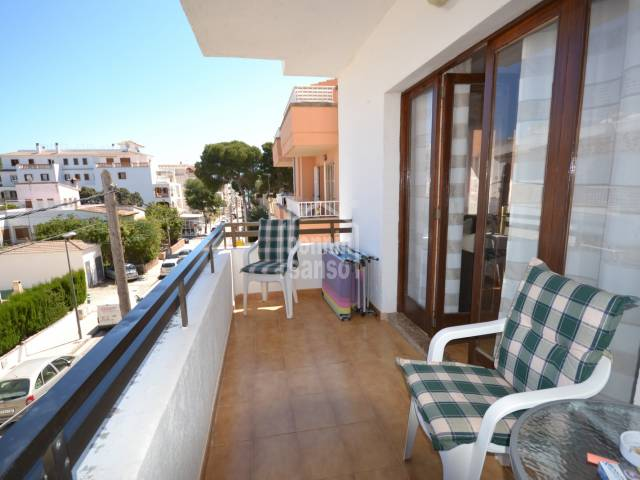 2nd floor apartment situated in a quiet part of Cala Millor centre