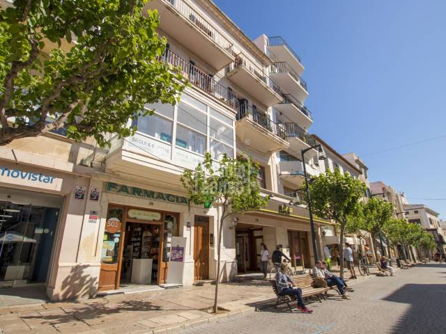 Second floor apartment with lift in the centre of Mahón, Menorca.