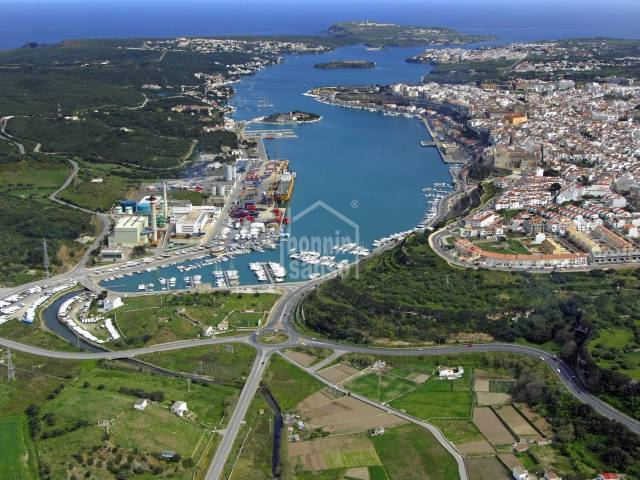 Exclusive! Commercial urban development project in the port of Mahón, Menorca.