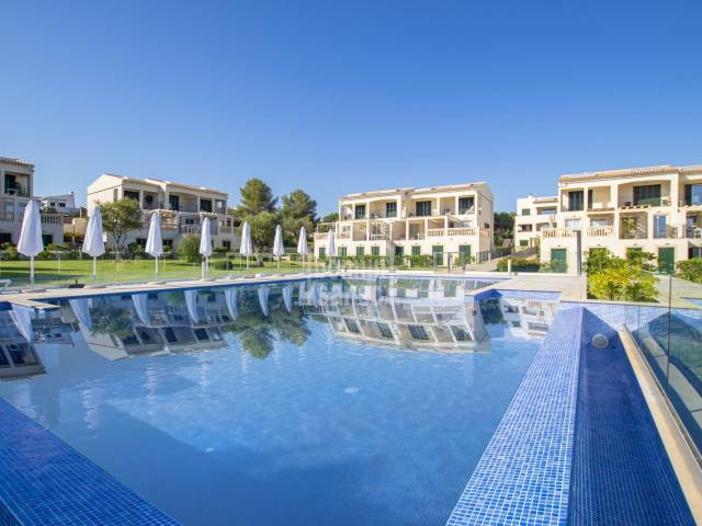 Sunny 2 bedroom apartment in community with pool in Porto Cristo Novo. Majorca