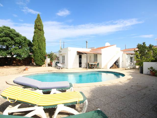 Four bedroom villa with garden and pool in Calan Porter, Menorca