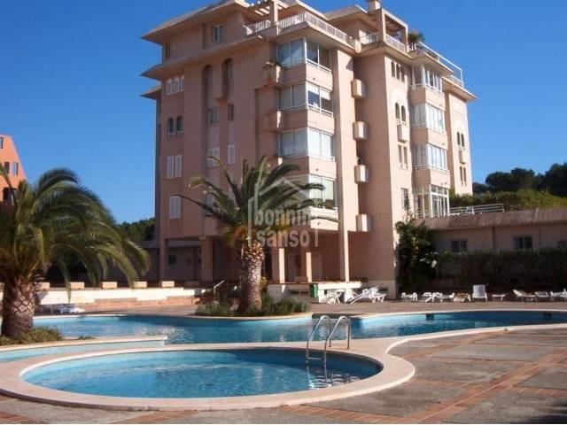 Soleado apartamento con piscina en Sa Coma, Mallorca