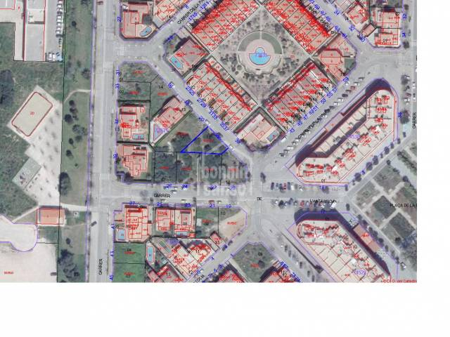 Parcela de 305m² en la solicitada Urbanización de Malbuger