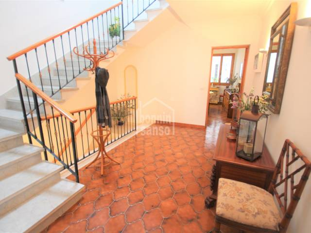 Distributor, Ladders, Entrance hall - Housing in the Historic Center, with parking for neighbors a few meters in Ciutadella, Menorca