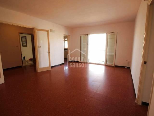 Amplio piso en tercera planta en Ciutadella, Menorca