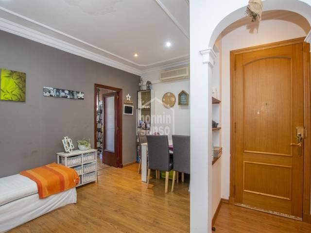 Schönes Obergeschoos-Duplex mit eigener Garage im historischen Zentrum von Mahón -Menorca-