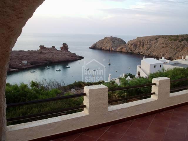 Vivienda dúplex con vistas al mar sita en  Cala Morell