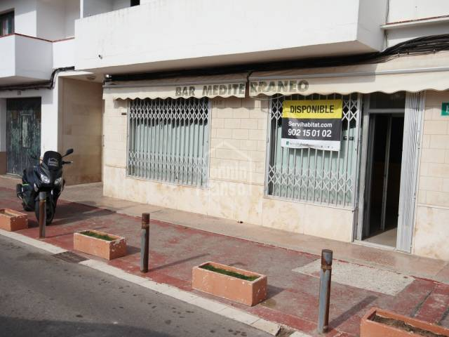 Commercial premises on the outskirts of Mahon.