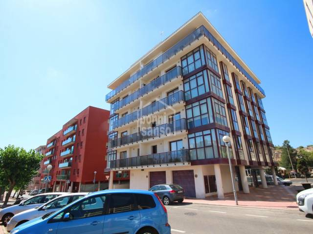 Modern third floor apartment with lift in Mahon