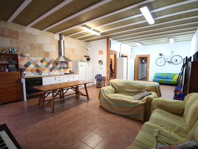 Perfect family home with garage in Ciutadella, Menorca