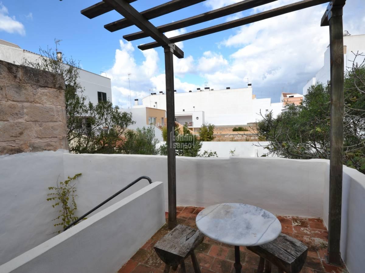 Comprare bella casa nel centro di ciutadella menorca 33865 for Casa bella