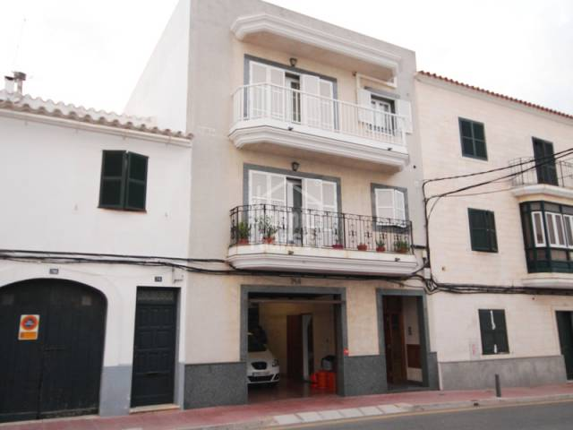 Second floor apartment with large garage in Alayor, Menorca