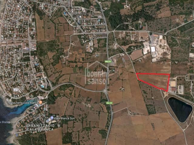 Terrain rustique-agricole dans zone consolidée, Ciutadella, Minorque