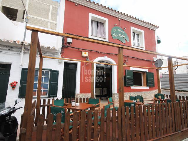 Commercial premises with apartment in Es Castell