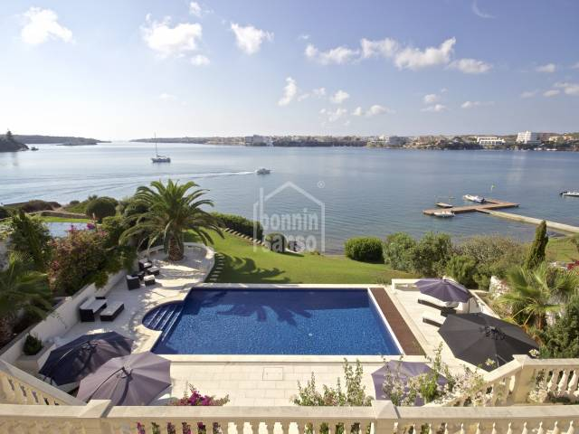 A luxury front line villa with direct access to the sea in Menorca