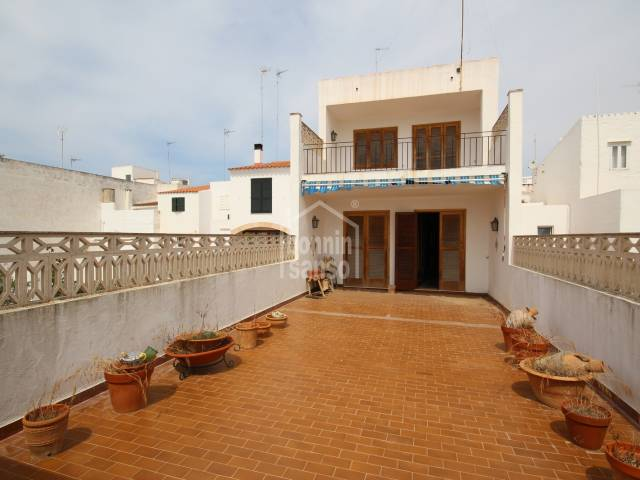 Large house with premises in Contramurada in Ciutadella