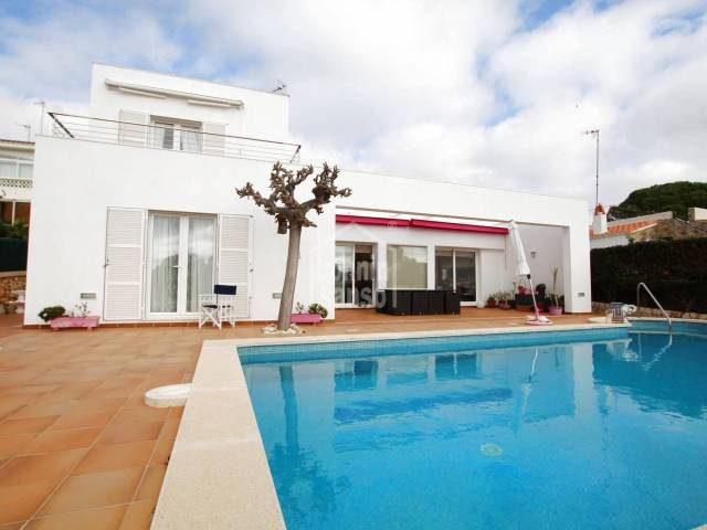 Villa of recent construction in Punta Prima, Menorca