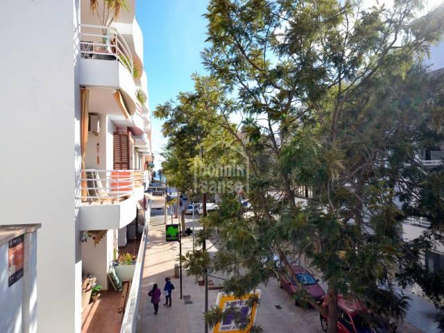 Apartamento en 2ª planta, centro de Cala millor, Mallorca