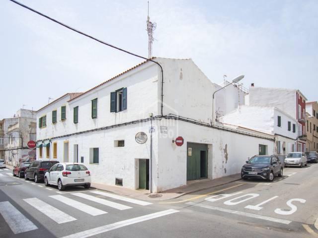 Plot/land/Townhouse/Garage/parking in Es Castell (Town)