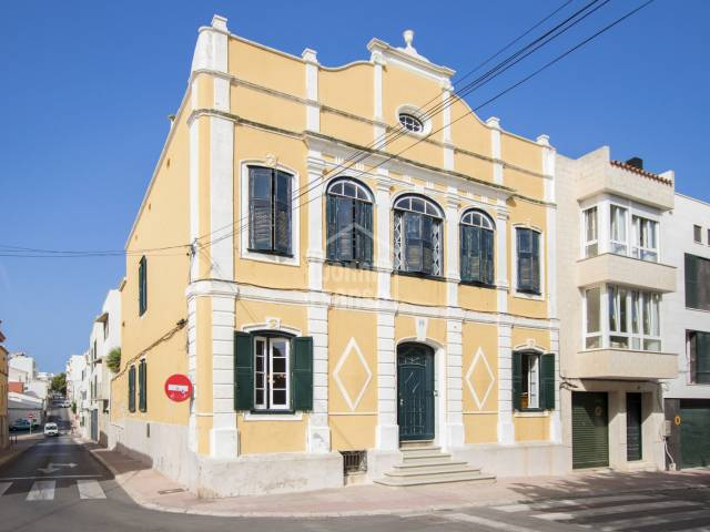Spectacular manor house in the center of Mahon. Menorca