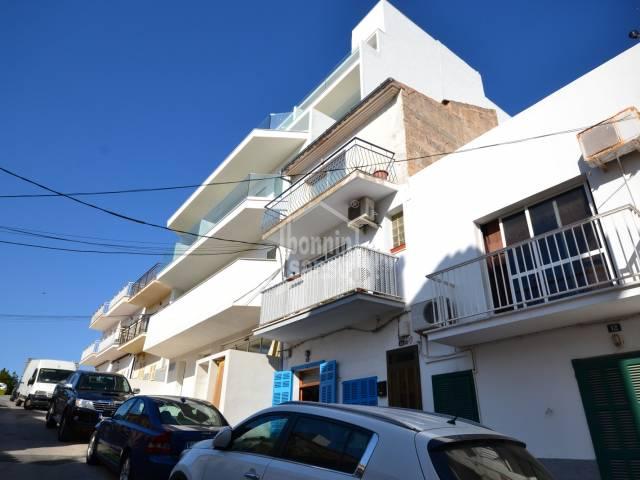 Wohnung im zweiten Stock in Porto Cristo von ca. 60 m² für komplett Renovierung.