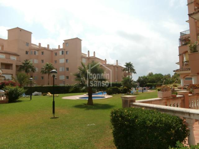 Spacious ground floor apartment of approx. 103m², situated in a quiet residential area of Sa Coma but only 5 minutes to Cala Millor Beach and centre.