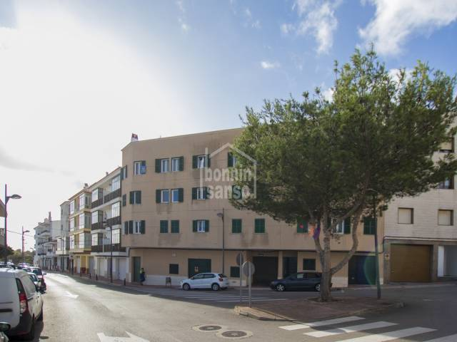 Large third floor apartment with lift in Alayor, Menorca
