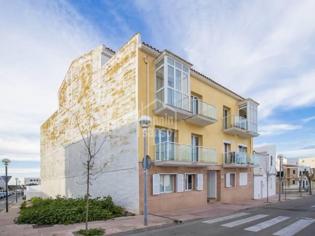 Moderno duplex de tres dormitorios en Mahón, Menorca