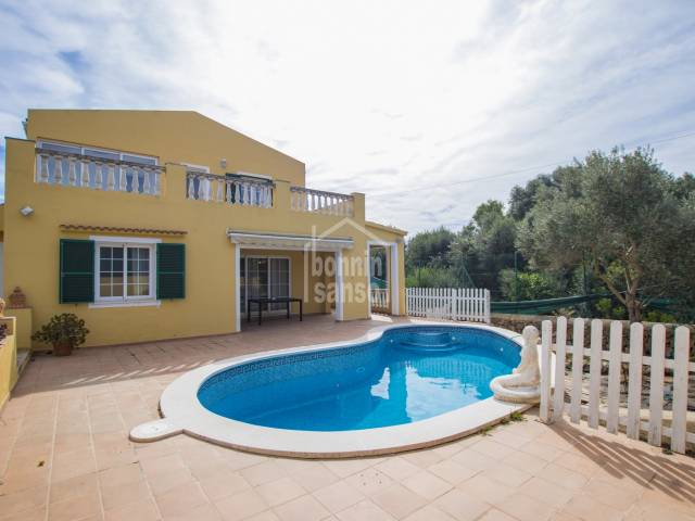 Large family villa in the quiet residential area of Son Vitamina. Menorca