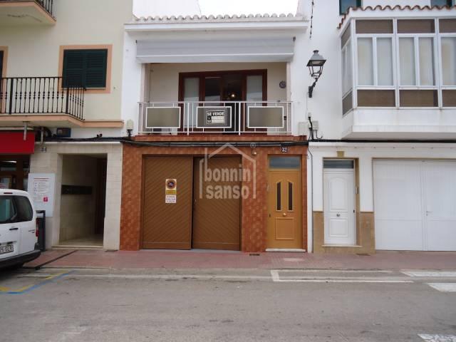 En Mercadal, Menorca, interesante casa de pueblo muy céntrica con garage