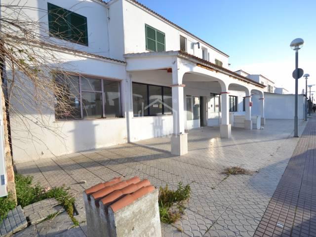 Large premises in Los Delfines, Cala'n Blanes
