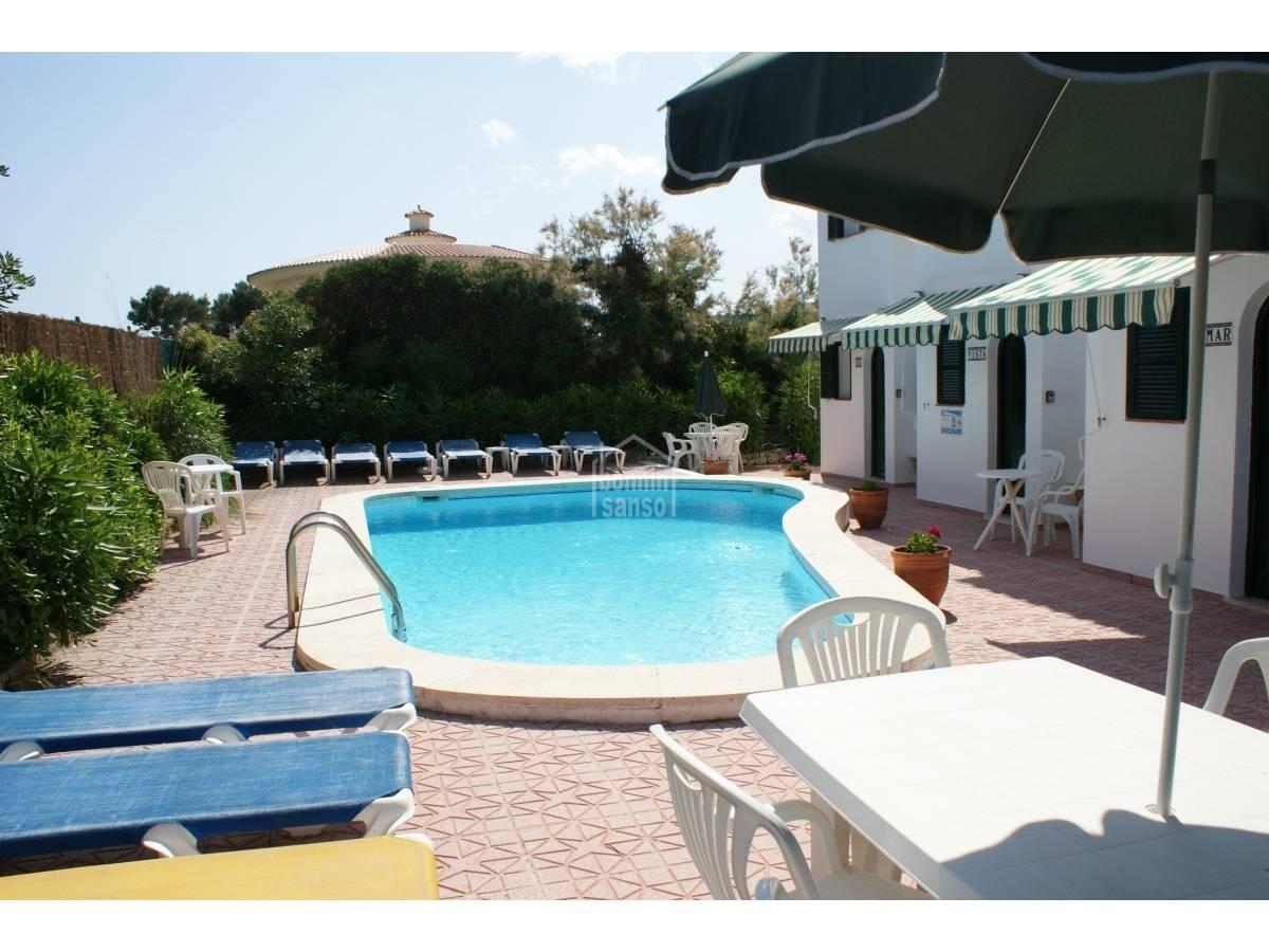 Comprar tres chalets con terrazas y piscina compartida en - Chalet con piscina ...