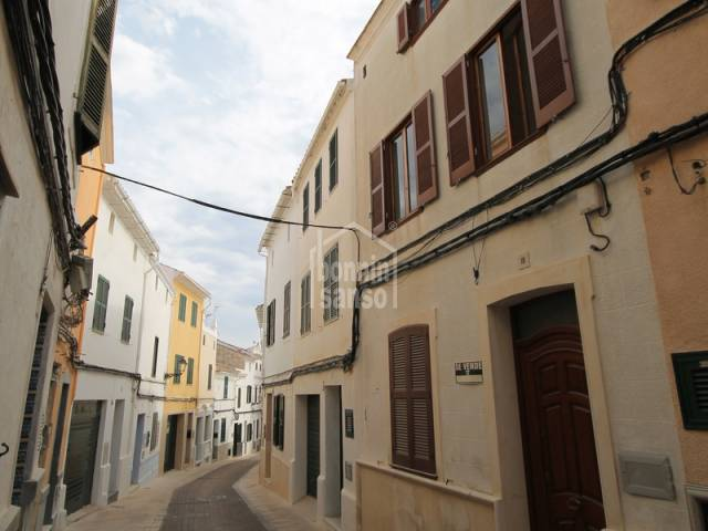 Townhouse with patio in the center of Alayor,Menorca