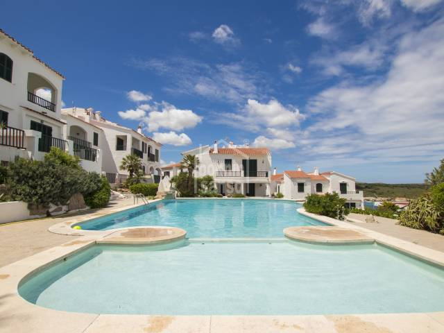 Duplex with sea views, with communal gardens, sunbathing terraces and swimming pool in Son Parc, Menorca