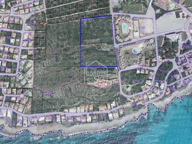 Rustic plot of land in Punta Prima