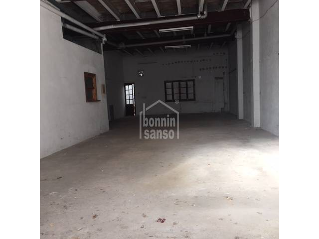 Commercial premises for sale in Ciudadela.
