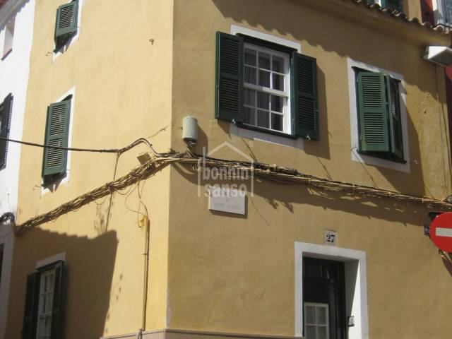 Charming traditional townhouse in Mahon