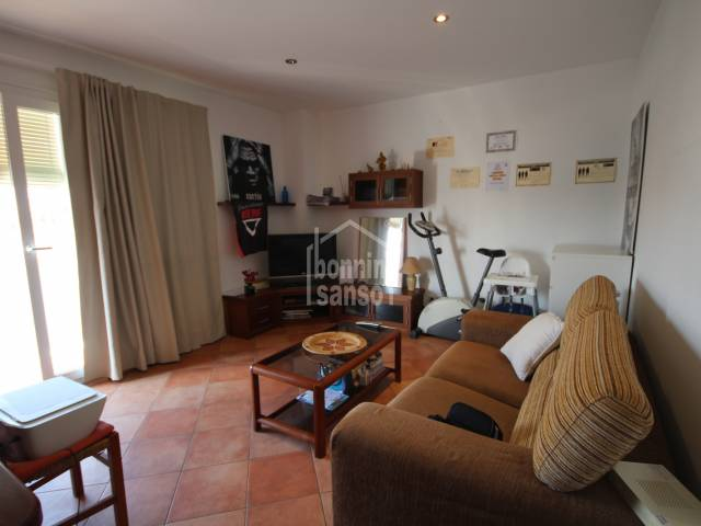 Nice and bright second floor apartment  a few minutes from the center of Ciutadella