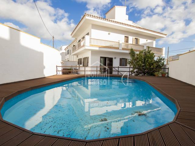 Spacious house with pool near the centre of Mahón, Menorca.