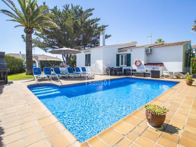 Chalet reformado con piscina en Cala'n Bosch, Ciutadella, Menorca